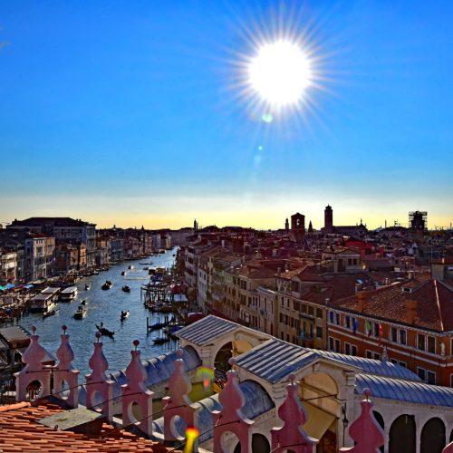 【意大利 威尼斯】 旅遊景點 – 清晨的大運河 | CANALE GRANDE,德國商館 | Fondaco dei Tedeschi