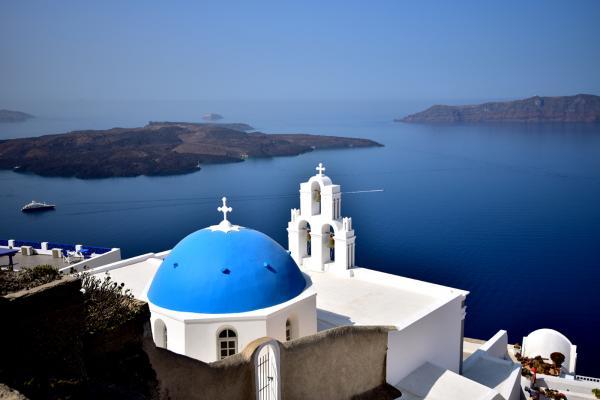 途中經過這常常在旅遊雜誌中出現的藍頂教堂