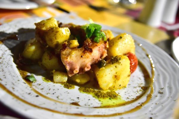 烤墨魚是麥包最喜歡的希臘料理