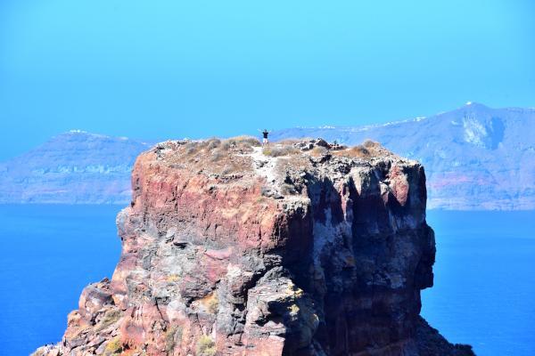麥包爬到 caldera 的頂端(看到他嗎?)