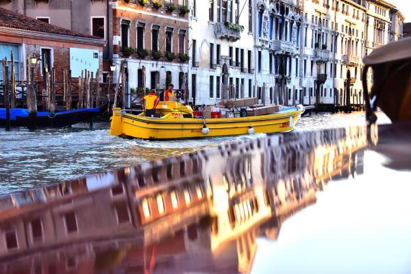 威尼斯式 DHL