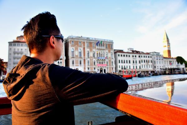 在運河上看風景又是另一番感覺