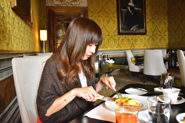 早餐可選擇在不同的 dining room 內享用