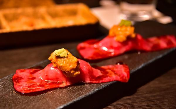 海膽生牛肉壽司