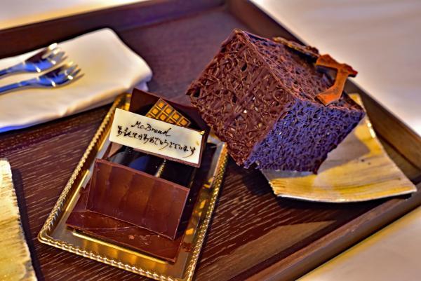 還有我送麥包的鳥巢巧克力生日蛋糕(遲來的)